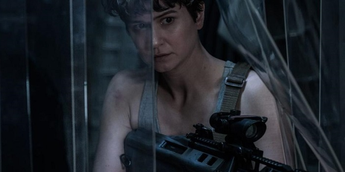 A Bloody Katherine Waterston Prepares for Battle in Alien: Covenant Photo