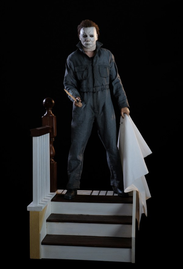 Michael Myers Statue Full