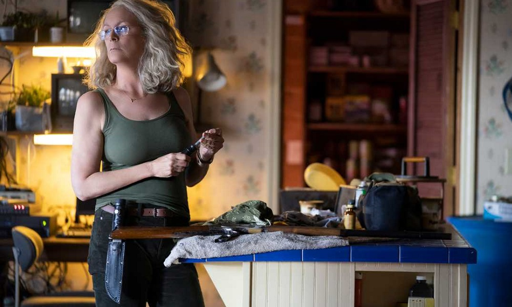 Laurie Strode Prepares Her Weaponry for Michael Myers' Return in New 'Halloween' Photo
