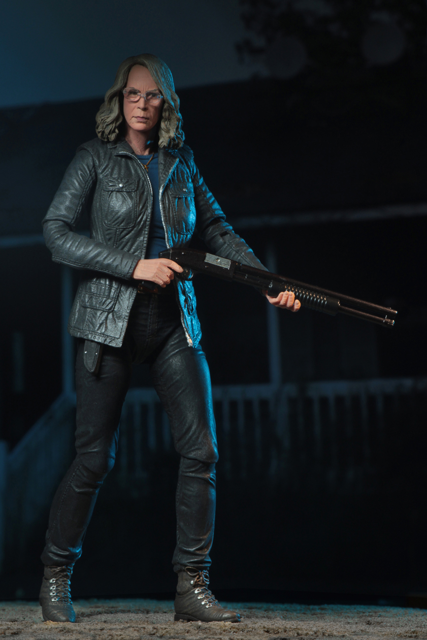 Ultimate Laurie Strode Action Figure 2