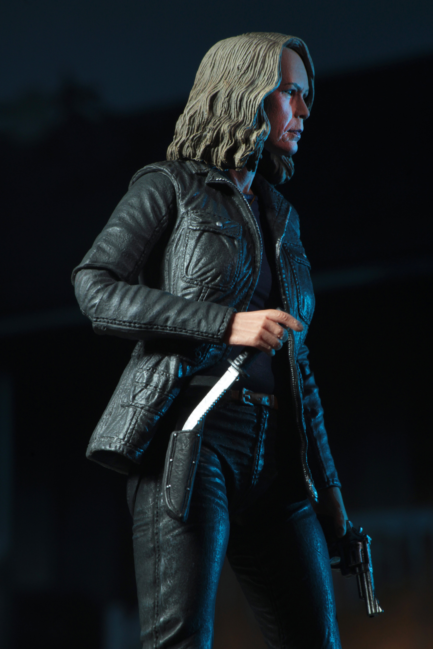 Ultimate Laurie Strode Action Figure 4