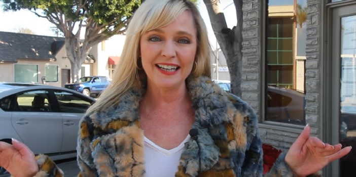 Lisa Wilcox Visits the Crave Inn from Elm Street 4 The Dream Master