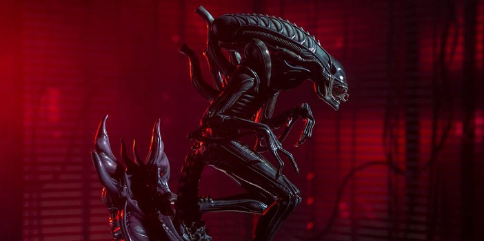 Sideshow Uncage Their Amazingly Detailed 'Aliens' Warrior Statue
