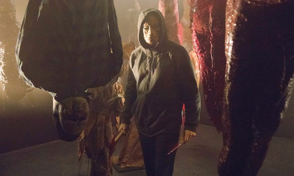 Masked Killer Stalks a Horror=Themed Amusement Park in New Red Band Trailer for 'HELL FEST'