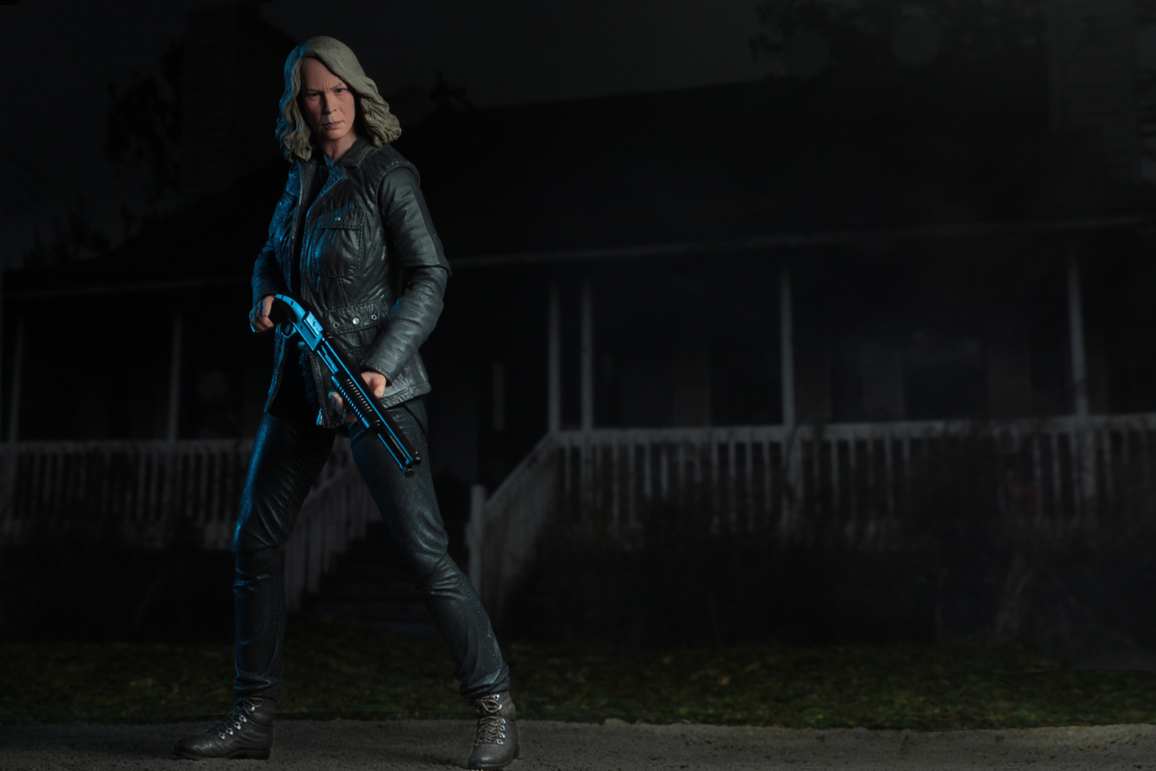 Ultimate Laurie Strode Action Figure 11