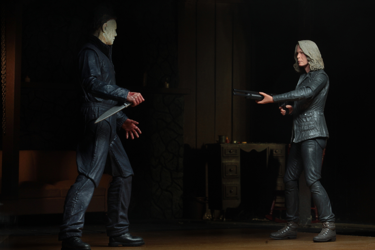 Ultimate Laurie Strode Action Figure 12