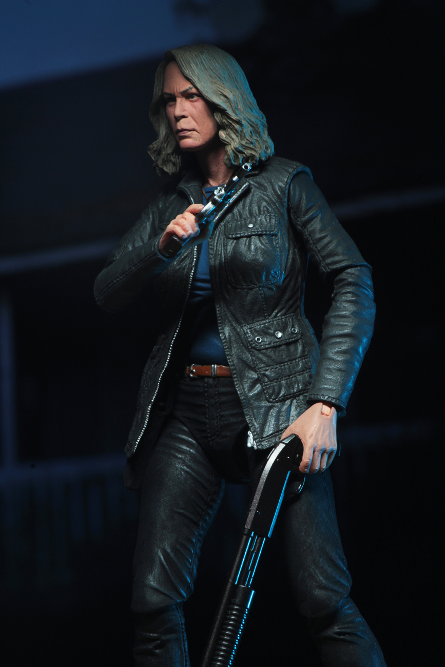 Ultimate Laurie Strode Action Figure 5