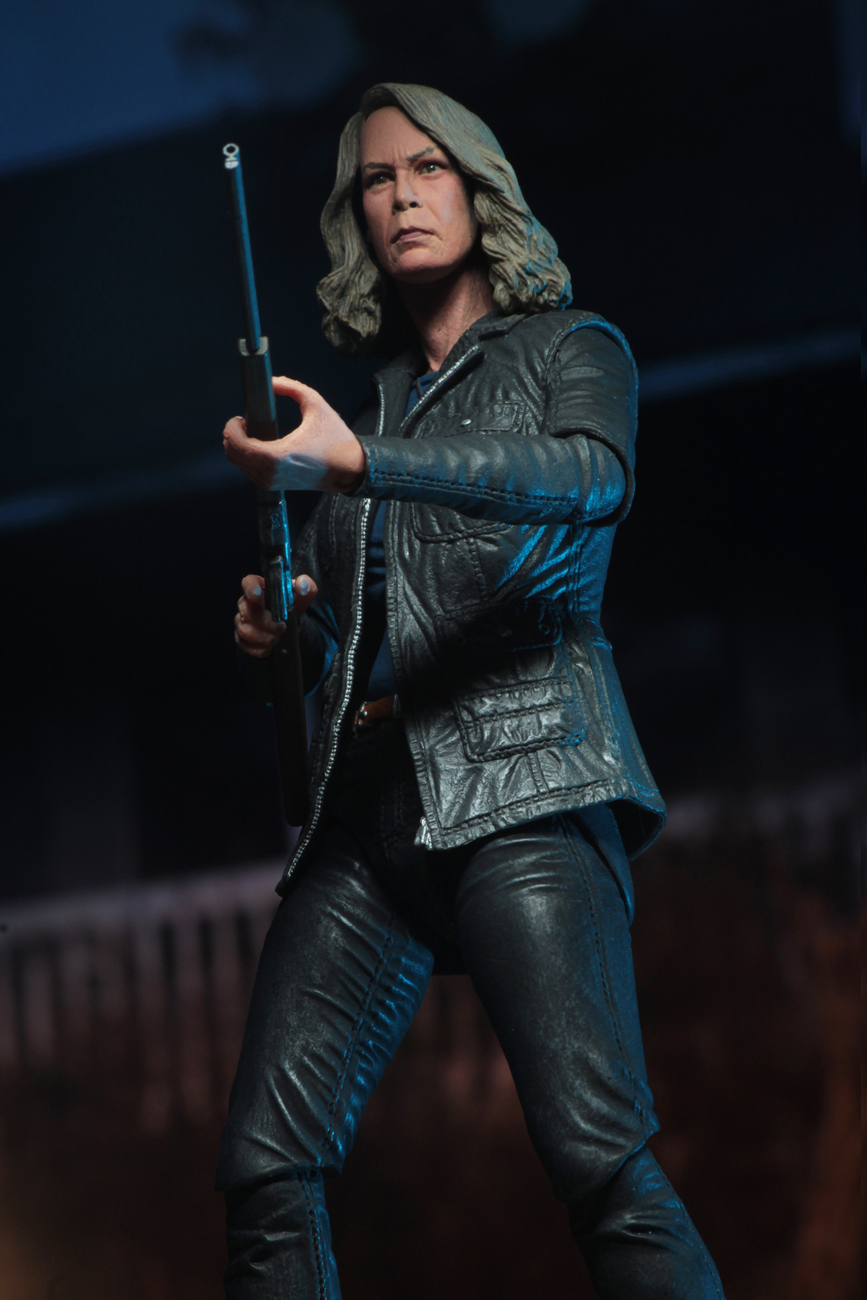 Ultimate Laurie Strode Action Figure 7