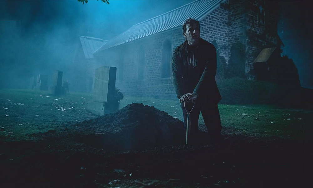 Louis Creed Deals With Grave Matters in Chilling Photo from This Year's 'Pet Sematary'